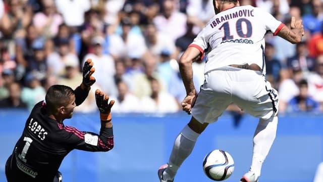 Zlatan Ibrahimovic face à Anthony Lopes