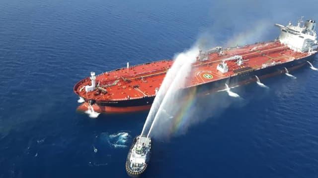 Image fournie par l'agence de presse iranienne de l'opération de secours du pétrolier norvégien attaqué