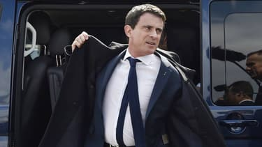Le Premier ministre Manuel Valls Saint-Jean-de-Braye près d'Orléans, le 1er avril 2016.