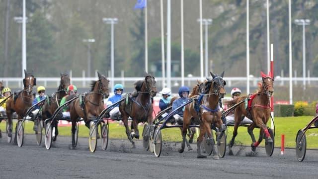 In the Money remporte le Critérium des Jeunes ce dimanche 21 février à Vincennes.