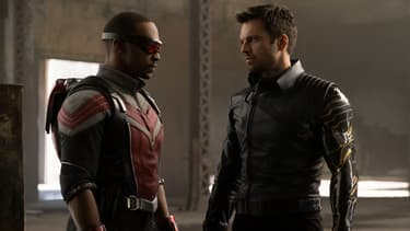 "Anthony Mackie et Sebastian Stan dans la série ""The Falcon and the Winter Soldier"""