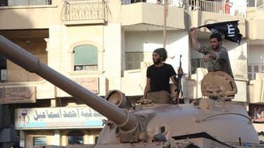 Les jihadistes de l'Etat islamique vont frapper des pièces d'or, d'argent, et de cuivre.