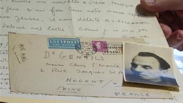 Une quarantaine de lettres de Louis-Ferdinand Céline, témoignages de l'une des périodes les plus difficiles de sa vie, seront mises aux enchères la semaine prochaine à Paris. Cette correspondance inédite avec le docteur Alexandre Gentil, médecin militaire