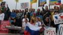 Manifestation jeudi soir place du Trocadéro à Paris pour demander l'annulation du contrat de vente de deux Mistral à la Russie.