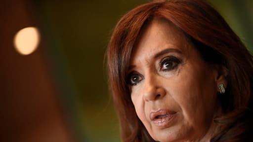 """Mentionnée comme """"voleuse de la nation"""" sur Google, l'ex-présidente argentine attaque le moteur de recherche"""