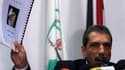 Taoufic al Tiraoui, qui préside la commission palestinienne chargée de superviser l'enquête pour déterminer si Yasser Arafat a été assassiné, lors d'une conférence de presse samedi à Ramallah. Huit ans après son décès dans un hôpital militaire de la banli
