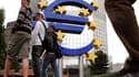 Selon Jean Quatremer, la Commission européenne mise sur un déficit public de 3,7%, loin de l'objectif des 3% que veut tenir Paris.