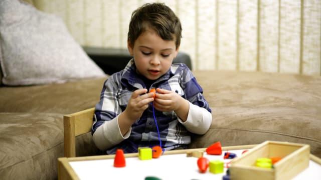 L'autisme est un trouble neuro-développemental précoce qui dure toute la vie.
