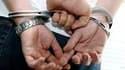 Des avocats français ont obtenu une première victoire lundi contre le régime de la garde à vue policière, qu'ils contestent, en obtenant l'examen officiel de sa conformité avec les principes fondamentaux. /Photo d'archives/REUTERS/Eric Gaillard