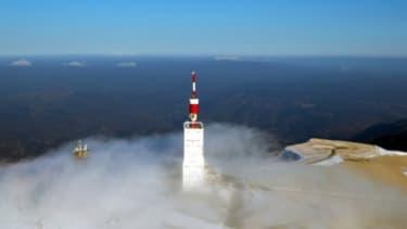 TF1 accuse TDF de violer la régulation imposée sur les émetteurs non réplicables, comme ici le mont Ventoux