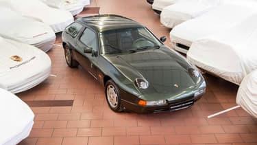 Dans les années 80, Porsche avait déjà imaginé un break: la 928-4.
