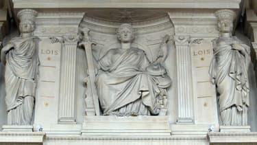 L'un des frontons de la Cour d'Assises de Paris. Photo d'illustration