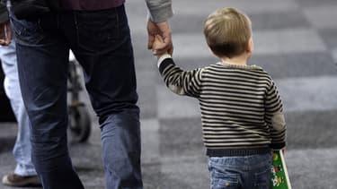 """Le ministère des Affaires étrangères a confirmé qu'il tablait sur """"1.000 à 1.100 adoptions à l'étranger en 2014"""". (Photo d'illustration)"""