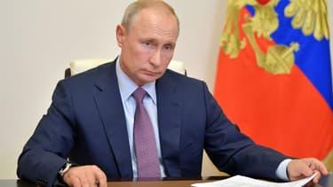 Le président russe Vladimir Poutine lors d'une visioconférence à sa résidence de Novo-Ogaryovo, près de Moscou, le 2 juillet 2020