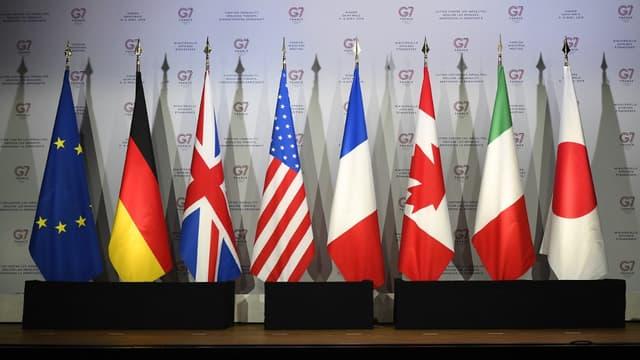 Le G7 regroupe les Etats-Unis, le Japon, le Royaume-Uni, l'Allemagne, la France, l'Italie et le Canada, ainsi que l'Union européenne.