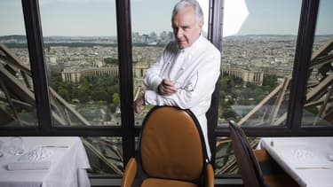 Alain Ducasse dirige les cuisines de la Tour Eiffel depuis 2008.