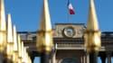 Le drapeau français flotte au-dessus de l'Assemblée nationale, le 25 mars 2019 à Paris.