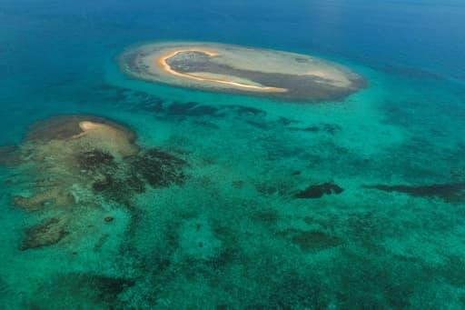 Vue aérienne de la barrière de corail de Nouméa en Nouvelle Calédonie le 27 février 2016