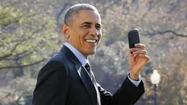 Le groupe canadien, qui compte quelques clients prestigieux comme Obama, n'a pas renoncé à sa présence dans les smartphones, avec de nouveaux mobiles attendus en 2015