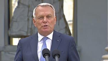 """Jean-Marc Ayrault s'est exprimé lundi devant la presse pour rappeller """"la mobilisation"""" du gouvernement."""