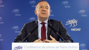 """Pierre Gattaz juge que le programme économique du FN mènera """"au chaos""""."""