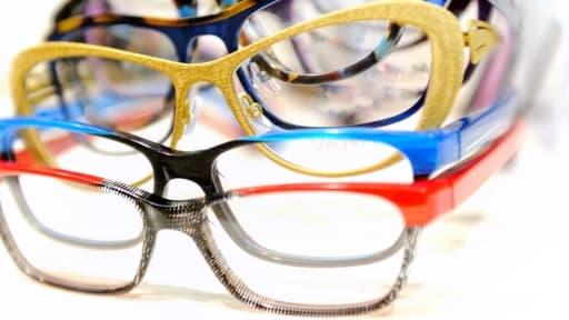 Sur une paire de lunette vendue 470 euros, les opticiens appliquent un taux de marge brut de 233%.