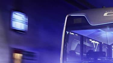 Mercedes mise sur la conduite semi-autonome pour aider les conducteurs de bus au quotidien.