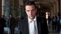 """L'ancien PDG de la Société générale Daniel Bouton a qualifié de """"génie malfaisant"""" l'ex-trader Jérôme Kerviel (photo), jugé pour des positions ayant entraîné une perte de 4,9 milliards d'euros en 2008. /Photo prise le 22 juin 2010/REUTERS/Gonzalo Fuentes"""