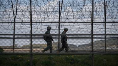 Des militaires sud-coréens aux abords de la zone coréenne démilitarisée le 23 avril 2020 (Illustration)