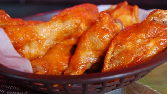 Les ailes de poulet sont un des plats de prédilection des spectateurs du Super Bowl.