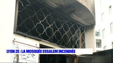 La porte d'entrée de la mosquée Essalem a subi un départ de feu dans la nuit de mercredi à jeudi.