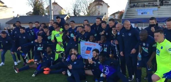 Les joueurs du GFA 74 après leur qualification pour les quart de Coupe de France