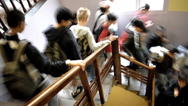Des élèves d'un collège