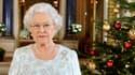 Pour les sujets non équipés d'une télévision adéquate, la reine est aussi apparue en dimensions standards.