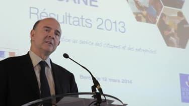 """Pierre Moscovici a qualifié les résultats 2013 de la Douane de """"bons voir très bons""""."""