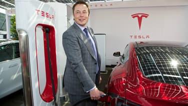 Elon Musk estime que le scandale Volkswagen va accélérer la transition vers l'électrique.
