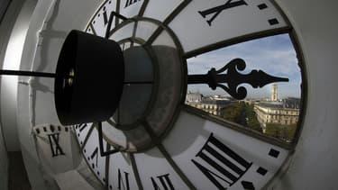 La grande horloge de l'Hôtel de ville de Paris - Illustration