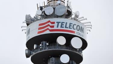Telecom Italia réfléchit à l'offre de Vivendi.
