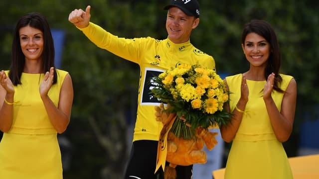 Christophe Froome sur le podium du Tour de France