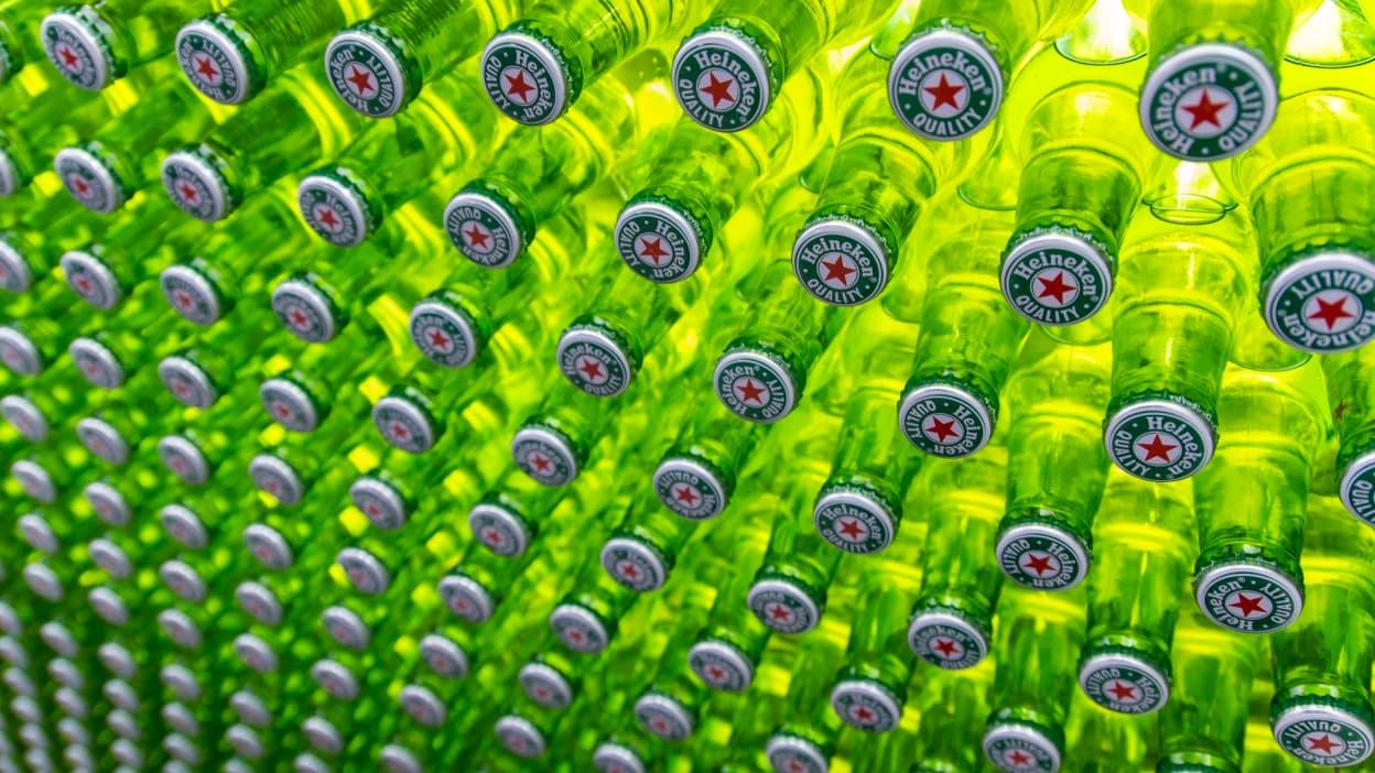 Heineken va supprimer 8000 postes sous le coup du Covid-19 - BFMTV