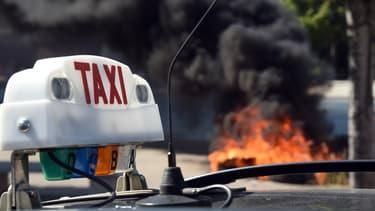 Un chauffeur de taxi avait agressé un client UberPOP à Lyon, le 21 juin.