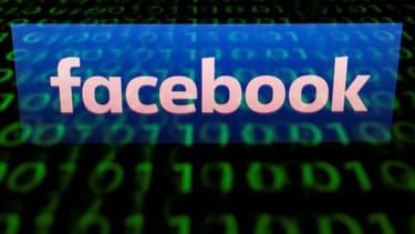 Facebook suspend 200 applications