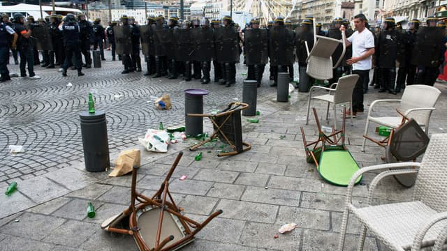 Les CRS à Marseille