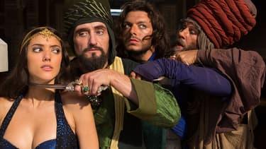"""Jean-Paul Rouve, Kev Adams, Nader Boussandel, Vanessa Guide dans """"les nouvelles aventures d'Aladin"""""""