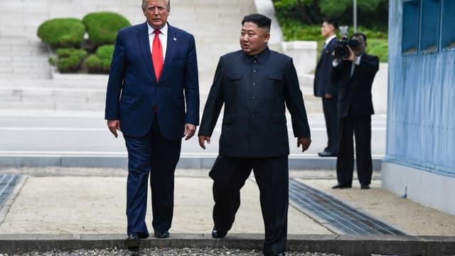 Donald Trump et Kim Jung Un franchissent la démarcation historique entre la Corée du Sud et la Corée du Nord en juin 2019