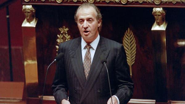 L'ancien roi d'Espagne Juan Carlos adresse un discours aux députés français, à l'Assemblée nationale, le 7 octobre 1993, lors de sa visite d'Etat.