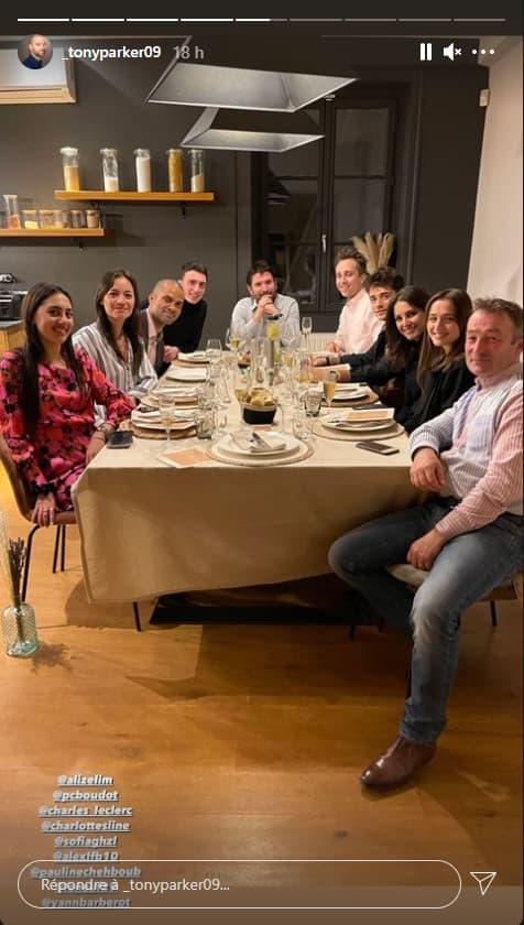 La photo du dîner de Tony Parker avec sa compagne Alizé Lim et le pilote de F1, Charles Leclerc notamment