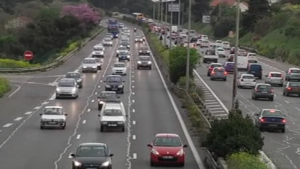 Bison Futé a prévu un pic de circulation pour les départs vers 12h30.