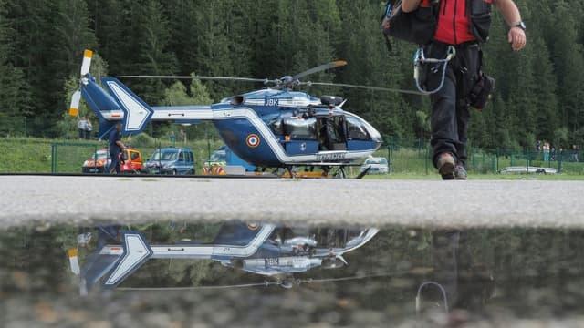 Un hélicoptère du Peloton de gendarmerie de haute montagne (PGHM) - Image d'illustration