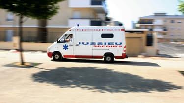 Une ambulance à Trappes le 1er juillet 2009 (photo d'illustration).